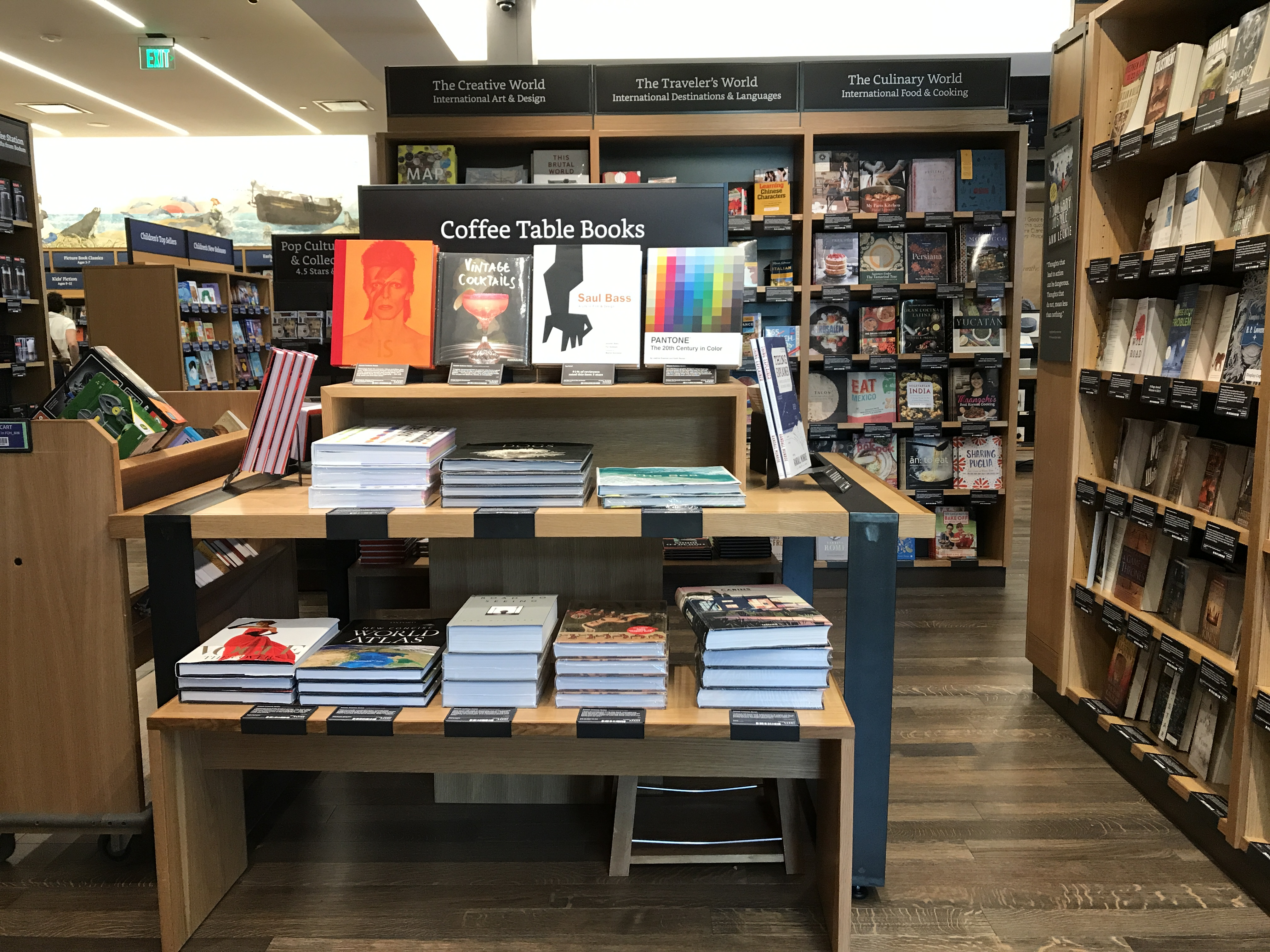 amazon-books-brick-and-mortar-pet-store.jpg